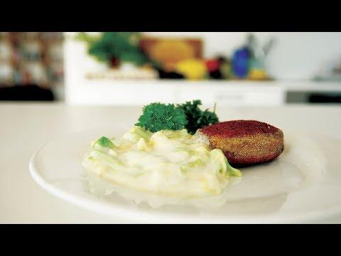 Karbonader med stuvet spidskål   Traditionel dansk mad når det er bedst