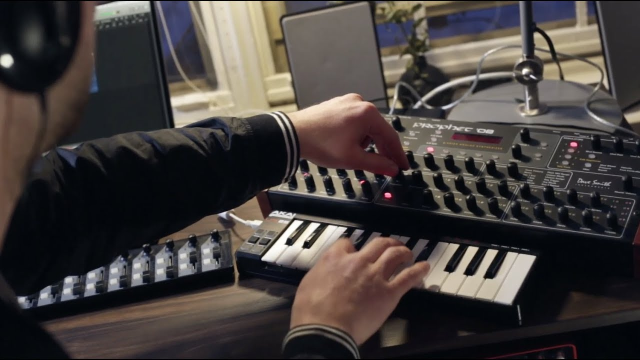 ambient guitars with prophet 08 chase bliss strymon pedals youtube. Black Bedroom Furniture Sets. Home Design Ideas