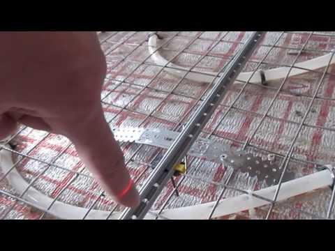 видео: Заливаем стяжку по теплому полу. Стяжка по маякам. Подробно