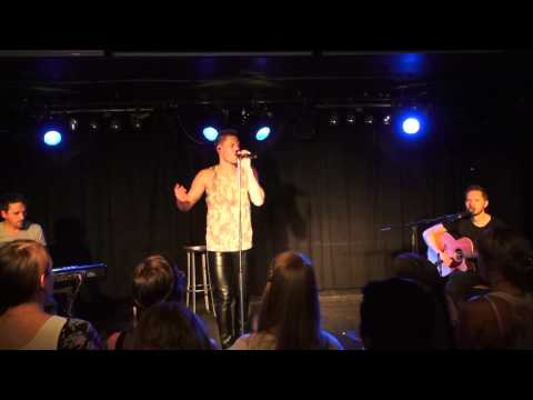 FROZEN - Daniel Schuhmacher live in Frankfurt