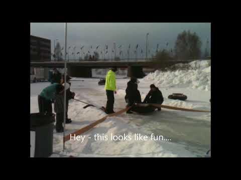 ¡Río congelado en Alaska se transforma en un carril de bowling humano!