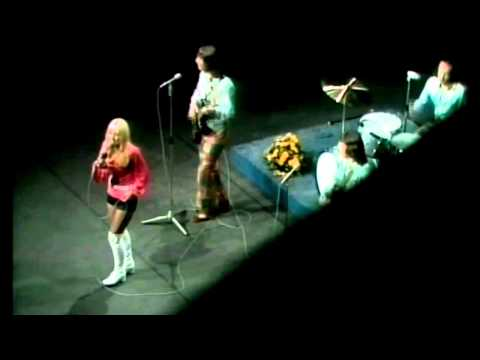 MIDDLE OF THE ROAD - SOLEY SOLEY 1971