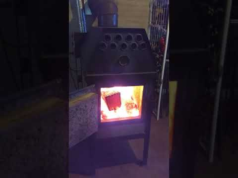 A wood stove like no other! The Glowstove showing gasification demonstration