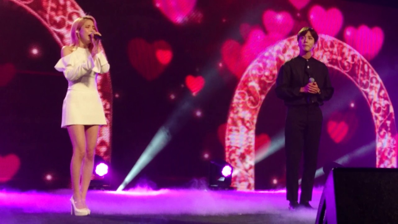 170804 CNBLUE Yonghwa & MAMAMOO Solar 小酒窝 Xiao jiu wo - Music Bank Special Stage in Singapore