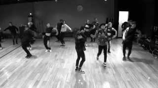 Sometimes i forget just how well the members of bigbang can dance (except for maybe our precious tabi lol) because they rarely do it anymore. this style is a...