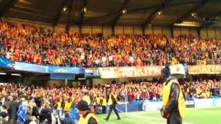Cimbom omuz omuz'a Stamford Bridge'de, Tribün çekimi. Galatasaray fans bounce at Stamford Bridge.