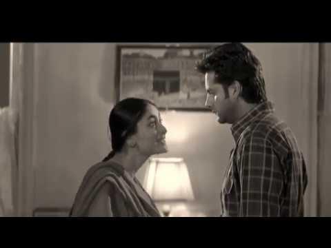 Kareena kapoor lip lock kissing with fhardin khan