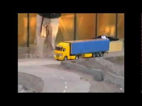 Tamiya Volvo FH12 Globetrotter 420 Tractor Trailer