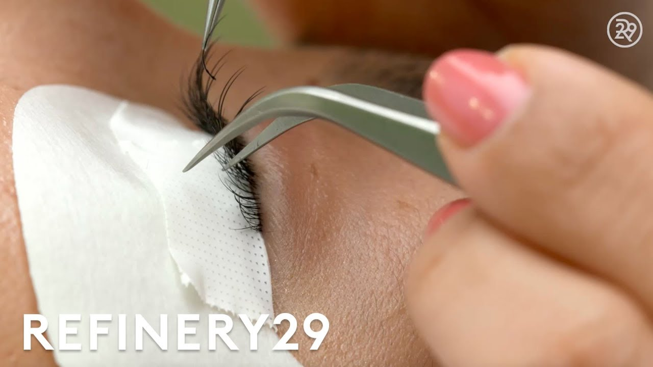 305bcbc8657 Eyelash Extensions Dangers Lashes Fall Out Horror Story