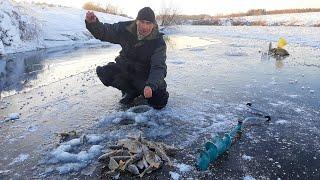 Зимняя рыбалка Первый лёд 2020 2021 Привязал черта и началось