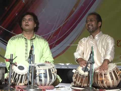 Hamsadhwani festival .Lucknow. Pt. Parimal chakraborty, ustad Akram khan duet
