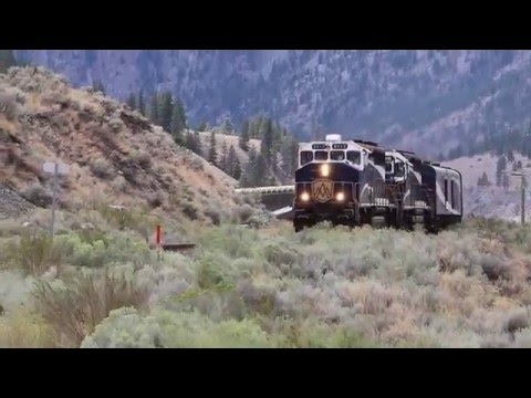 Rocky Mountaineer passenger train through Fraser Canyon BC, RMRX 8011/8019; 8012/8016 (28-Aug-2015)