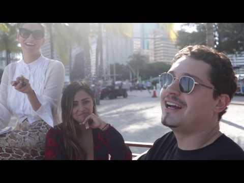Смотреть клип Cris Cab - Crismas Experience
