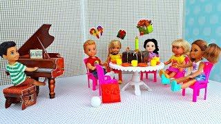 ТАЙНА ВИТИ в ДЕНЬ РОЖДЕНИЯ. Школьные каникулы. Игры в куклы Барби