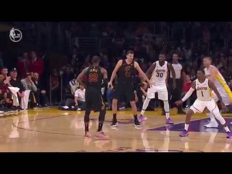 Cavs' LeBron James Makes Ridiculous No-Look Assist vs. Lakers