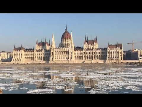 Winter in Beautiful Budapest (HD)