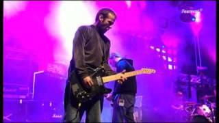Mogwai - 2006/08/04 - 02 - Glasgow Mega-Snake (Haldern Pop Festival)