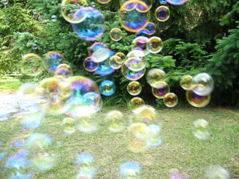 Free Green Screen Backgrounds Test Soap Bubbles 01