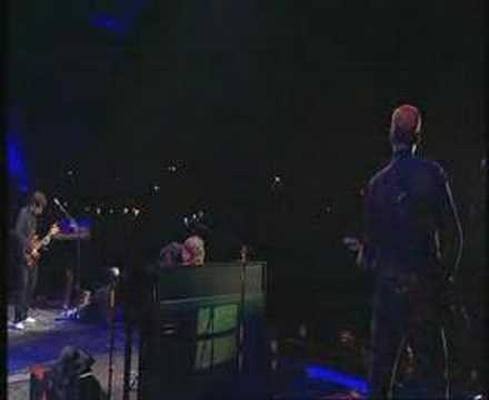 Coldplay - Speed Of Sound - Glastonbury 2005