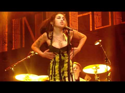 Amy Winehouse  Complete Final Concert  #89  Valerie June 18, 2011, Kalmegdan, Belgrade