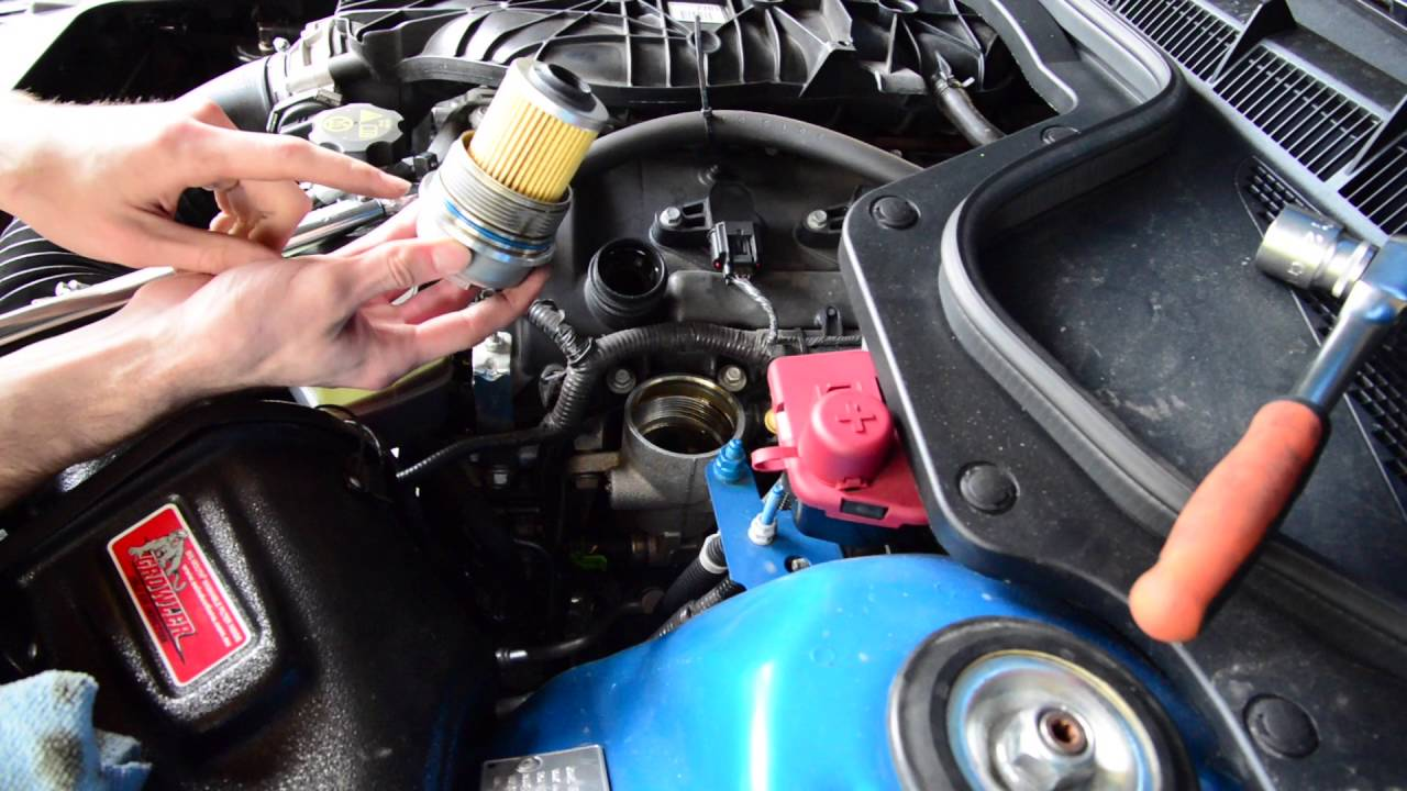 VE / VF Commodore V6 Oil Change - LLT / LFX / LY7 - AutoInstruct