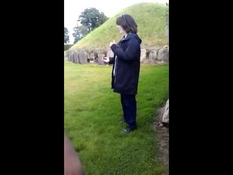 Information on Newgrange and Knowth