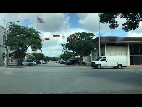 Georgetown, TX - Driving Around Downtown And Neighborhoods