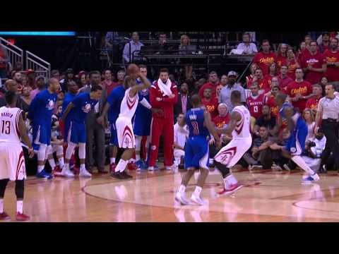 Trevor Ariza Hits The Three To Crush The Clippers