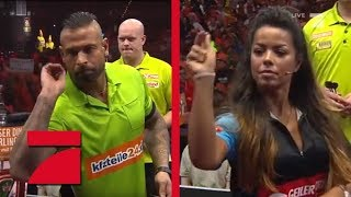 Tim Wiese & Michael van Gerwen vs. Rob Cross & Fernanda Brandao | Gruppenphase |  Promi Darts WM