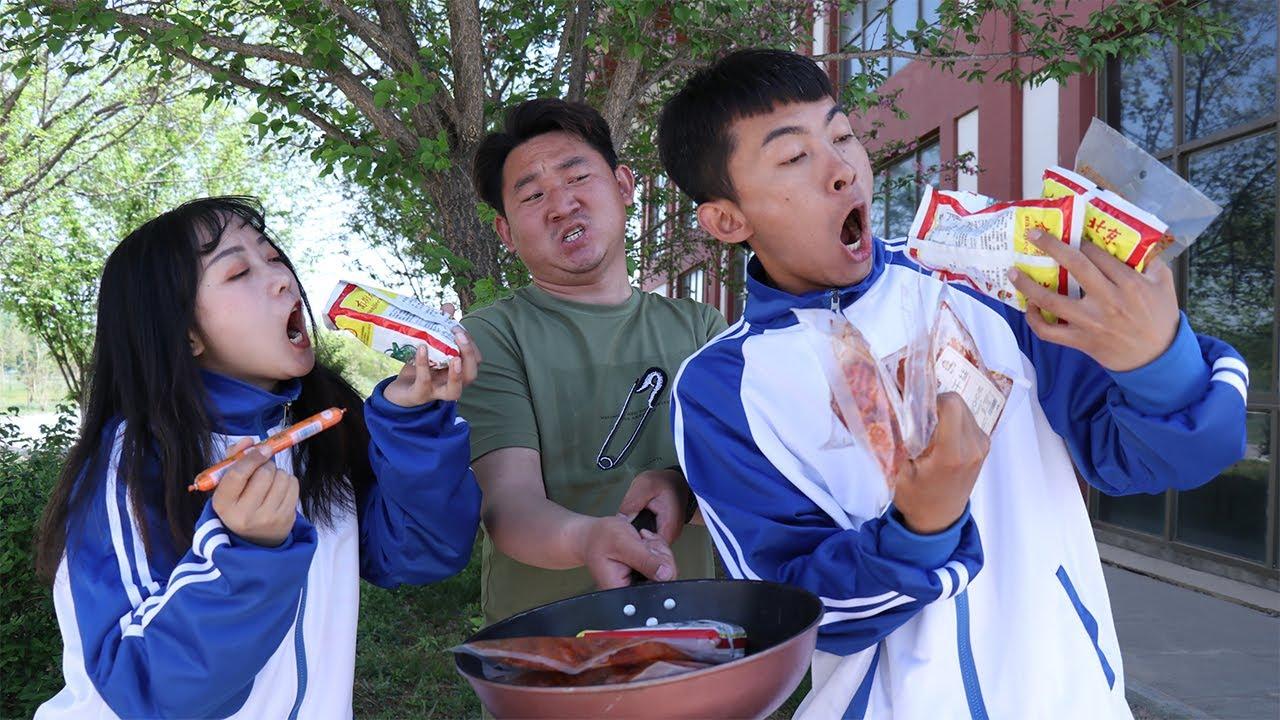 【橡皮擦課堂】老師擺攤賣自助零食鍋,不料遇到大胃王學生,一口氣吃了10鍋