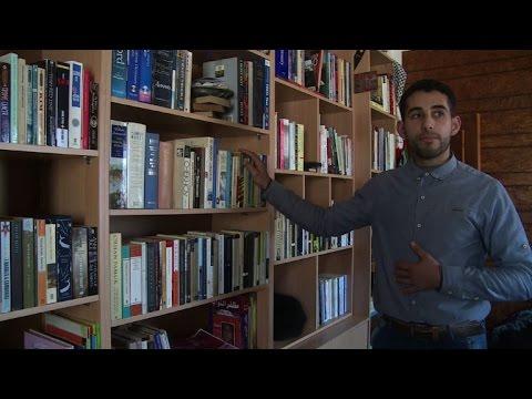 الكتب الانكليزية نافذة لرؤية العالم في قطاع غزة المعزول