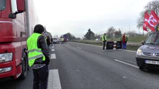 Routiers en grève - Blocage de la rocade de Rennes