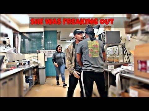 (Best Friends)FIGHTING PRANK ON COWORKER GONE WRONG!!