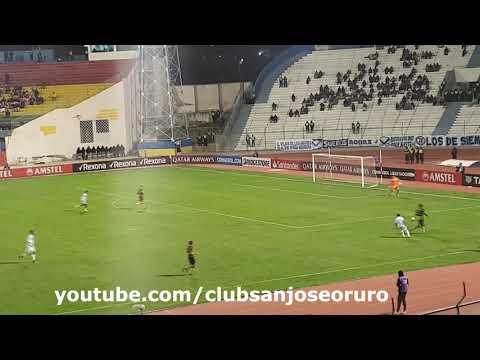 La hinchada grita Ole Ole Ole en el San Jose 3 - 1 Peñarol