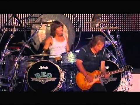 REO Speedwagon - Take It on the Run (Live - 2010)
