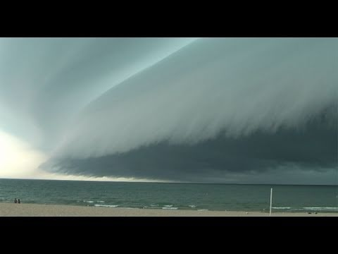 Incredible Breathtaking Shelf Cloud comes ashore in Grand Haven, MI on July 18, 2010