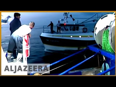 🇫🇷 🇬🇧 French fishermen assault British boats over scallops | Al Jazeera English