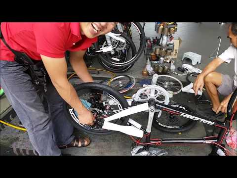 LIOW VIDEO: Upgrading Raleigh Mini Velo MD7 Bicycle 改装小轮自行车