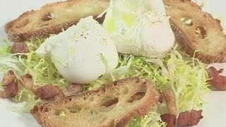 How To Make A Simple Poached Egg Salad