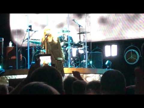 "Stevie Nicks ""Gypsy"" 24 Karat Gold Tour 2017"