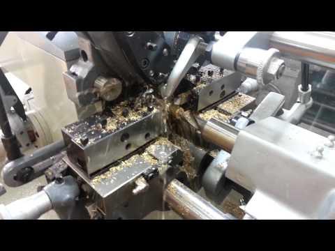 Torno automático Atlasmaq com sistema de rosca