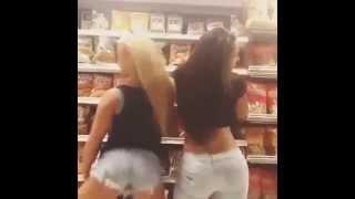 vuclip hermosas y nalgonas mujeres haciendo el mejor twerk twerking del mundo!!