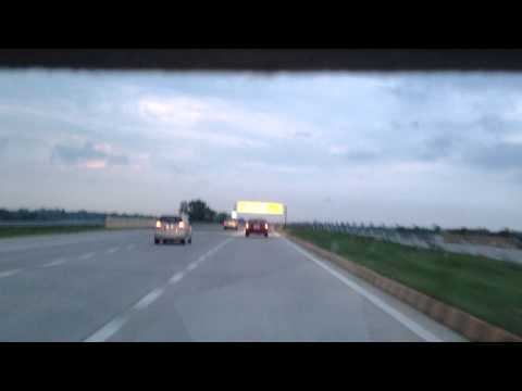 Driving on Yamuna Expressway | Best highway in India