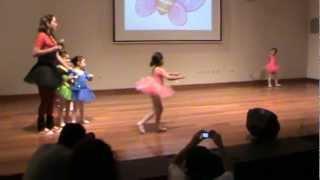AISHA MIA - DANZA A CARGO DE LA PROFESORA LESLIE (Ballet).MPG