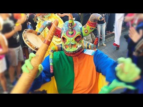 Sanse, Enjoy Calle San Sebastian Festival / Party in Puerto Rico… Voy Subiendo, Voy Bajando!