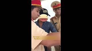 Clip Giao Thông Hài nhất Hà Nội: CSGT đội 3 bắt lỗi đèn đỏ bằng mắt, cẩu xe vì giấy tờ gửi bank