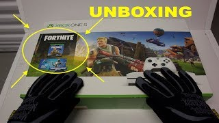 "Xbox One S ""FORTNITE"" Console Unboxing (Eon Skin Bundle) Battle Royale & short Gameplay"