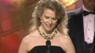Candice Bergen Wins Best Actress TV Series - Golden Globes 1989
