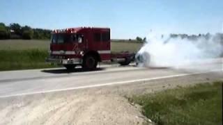 Отжиг резины на пожарной машине(Отжиг резины на пожарной машине., 2011-12-01T08:47:58.000Z)
