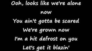 Britney Spears ♪  Break the ice Lyrics!! ♪(new) ♪